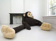 Florentijn Hofman #plush #haque #florentijn #installation #monkey #the #dushi #hofman #character
