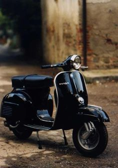 Black / The Pursuit Aesthetic #vespa #black