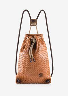 www.mindsparklemag.com – A showcase of beautiful design. #design #minimal #agency #portfolio #beautiful #fashion #bag
