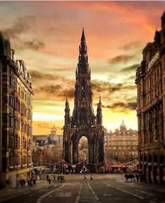 "George   Travel & Photography on Instagram: ""Edinburgh at sunset☀️🏴 - Follow @hawkhoptravel for daily travel inspiration!🌎 - 📸 credit @stuartmckay81 - #edinburghlife #scotland_ig…"""