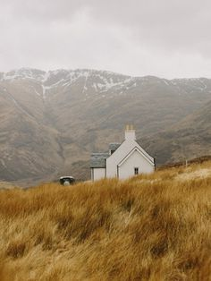 i want to live here please Nirav Patel Photography #photography #mountains #house #landscape