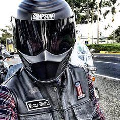 Lone Wolf MotoWear Colombia. Tienda de accesorios y ropa de moto estilo Harley Davidson, Cafe Racer, Moto Custom y Royal Enfield. Camisetas,