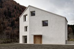 Haus am Mühlbach, Mühlen in Taufers by PEDEVILLA ARCHITECTS