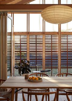 MAKE Architecture Adapted Japanese Sliding Timber Screens to Renovate an Australian Home 11
