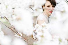 New-York-City-Elopement-20 #apple #bun #blossom #city #big #the #bride #car #taxi #nyc #wedding