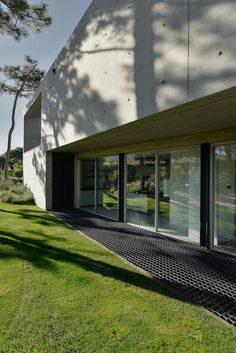 Patio House - The Wall House / Guedes Cruz Arquitectos 1