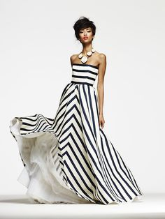 so effortlessly elegant. Fashion photography(via oscarprgirl) #fashion #stripes #dress