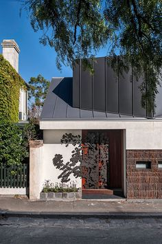 Bell House – 1850s Fitzroy Bluestone Cottage Renovation