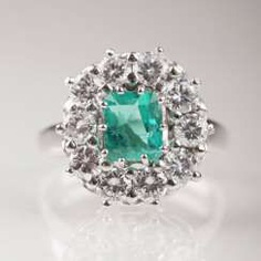 High Quality Vintage Emerald Diamond Ring