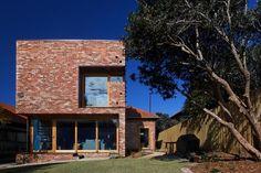 andrew maynard architects: ilma grove house #brick #zealand #architecture #buildings #new