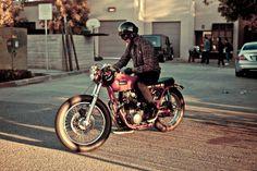 http://1.bp.blogspot.com/ TEWD4e_Sfvo/TqSMyteYPEI/AAAAAAAAAW8/DwdVYYBw9CA/s1600/Frankbike2.jpg #motorcylce