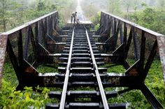 CAMBODIA-OLD TRAIN PHNOM PENH TO BATTAMBANG-BAMBOO TRAIN #inspiration #photojournalism #photography