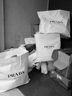 scenography: PRADA, Milano [firenze, italy] PHOTOGRAPHIE (C) [ catrin mackowski ]