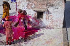 Festival di holi on the Behance Network #photojournalism #festival #gibotta #holi #antonio #photography #di