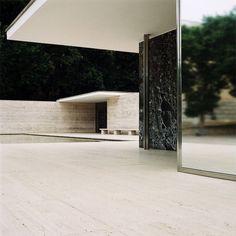 jaymainsfield: Mies van der Rohe DeutschPavillon, Barcelona #mies #architecture #minimal #barcelona