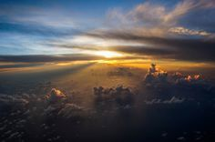 ultimate sunset by adventuristo supremo #inspiration #creative #airplane #flying #photography #beautiful