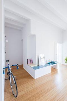 Entryway. Casa Eulàlia by CAVAA arquitectes. #entryway #cavaaarquitectes #minimal