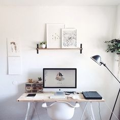 From the home of Kelli Murray via Murray & Finn #office #desk #home #workspace