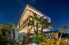 Majestic Residence in South Africa Pours the Exotic Landscape Inside #architecture #contemporary