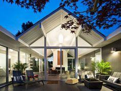 Eichler house modernized by Klopf Architecture - www.homeworlddesign. com (28) #design #architecture #california #interiors