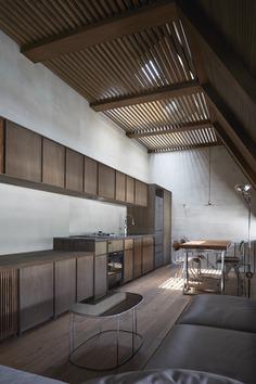 House in Sangenjaya by SUPPOSE DESIGN OFFICE