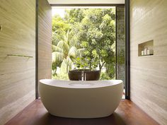 Beautiful bathroom atmosphere - bathroom tub #interior #design #bathroom #bathtub #decoration