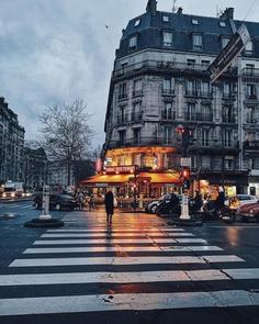 Creative and Minimal Street iPhone Photography by Cocu Liu