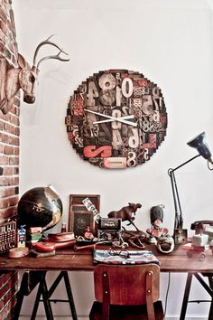 desire to inspire desiretoinspire.net Friday eye candy #clock #clutter