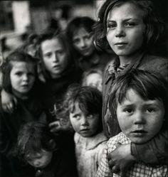 tjRSU.jpg (JPEG Image, 1211x1280 pixels) #venice #orphans #1949 #italy