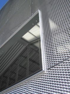 Jensen Architects - CCA Graduate Center, expanded metal facade