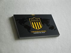 Branding Club Atlético Peñarol on the Behance Network #montevideo #uruguay #bicco #tarjeta #fabian #personal #pearol