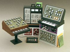 Paul's Set #miniatures #synth #craft #art #paper