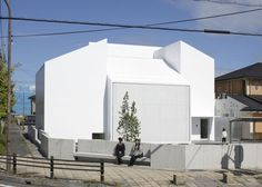 White Essence by Ryutaro Matsuura #design #architecture #minimal