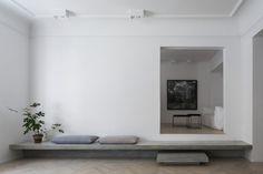 Concrete steps. Gold & Gray Apartment by Richard Lindvall. © Mikael Axelsson. #concretestep