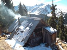 cabin porn 01.jpg #architecture #mountain #snow #forest #cabin #cottage