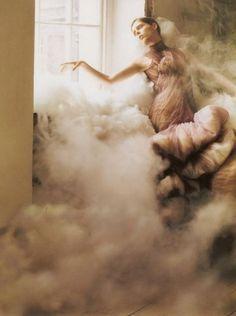 Sara Lindholm #fashion #smoke #female #drama