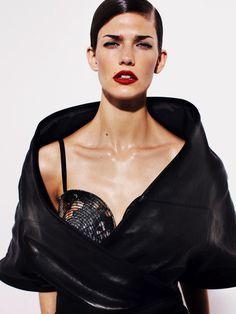 Kendra Spears for Vogue Australia #model #girl #photography #portrait #fashion #beauty