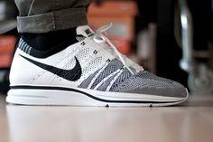 sweetsoles:Nike Flyknit Trainer+ (by Diggitalos) #white #flyknit #black #nike #jeans