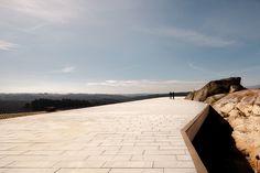 Carvalho Araújo   De Lemos #house #arajo #showroom #architecture #guest #carvalho