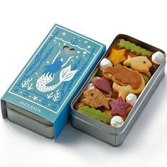 Hans Christian Anderson's The Little Mermaid, as cookies in a tin #illustration #sea #sweets #package #mermaid #cookies