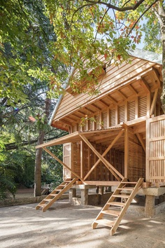 The Dovecote-Granary: A Peaceful Retreat Among the Treetops 2