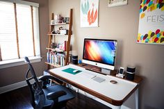 A Roundup of the Neatest and Tidiest Home Office Desks Lifework #desk