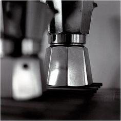 Mocca Bialetti | Flickr: Intercambio de fotos #design #minimalism #photography #coffee #black and white