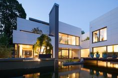 Bauhaus Style Residence Enclosing a Delightful Garden: Villa Wiese in Berlin #architecture