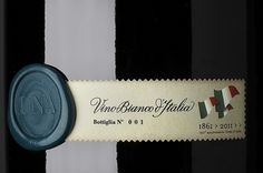 UNA | Flickr – Condivisione di foto! #bottle #packaging #wine #una #cibicworkshop #italy