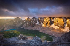 Wonderful Landscapes of Canadian Rockies by Nick Fitzhardinge
