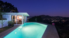 Buff & Hensman Midcentury Home guesthouse and pool
