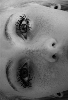 DISS BUFF BLOG #girl #black and white #woman #beautiful #girls