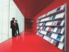 Caimi | Big shop | Monnalisa |Text | Socrate Big shop design Marc Sadler, Premio XXI Compasso d'Oro Ideata quasi come un componente arch