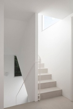 White stairwell. PH Thames by Alonso&Crippa. © Javier Agustín Rojas. #stairwell